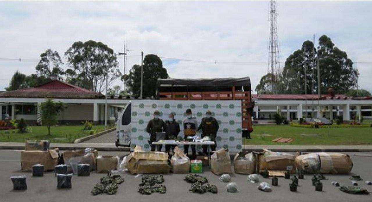 transportando municion fuerzas militares