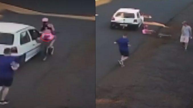 Un degenerado manoseó a una joven y la hizo accidentar