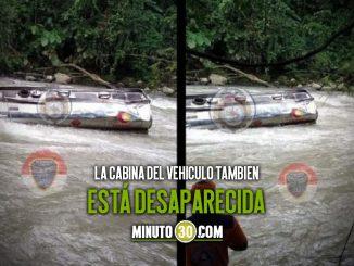 [Video] Continúa la búsqueda de conductor que cayó a un río en su tractocamión
