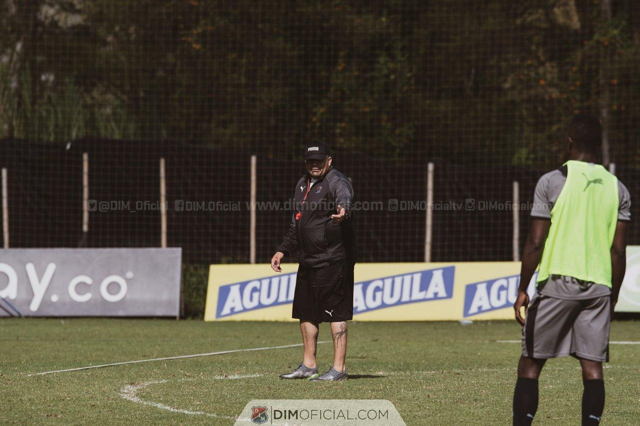 David Montoya asistente tecnico de Medellin