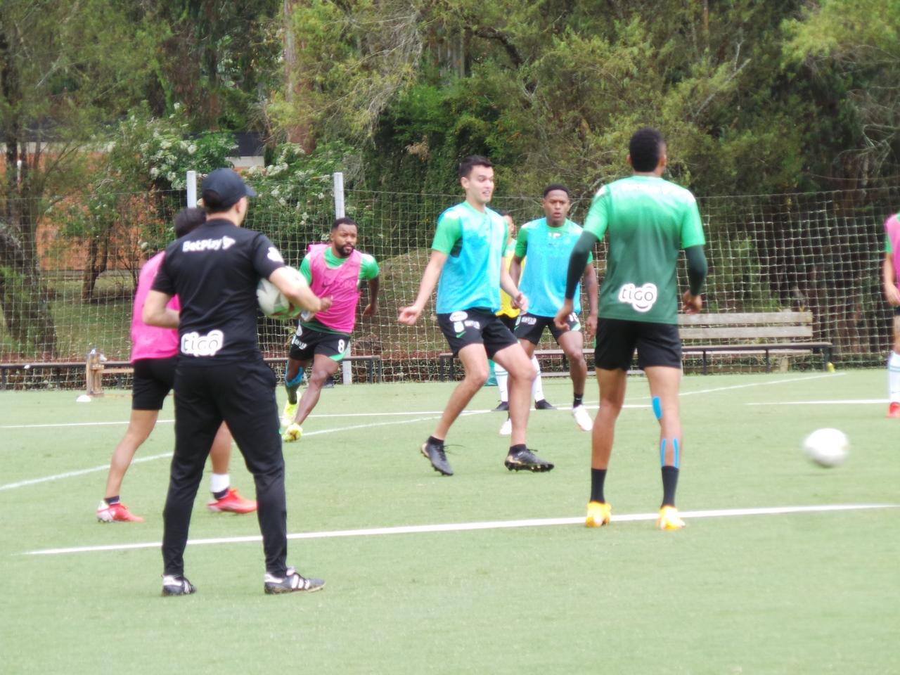 Entrenamiento Atletico Nacional 1 4