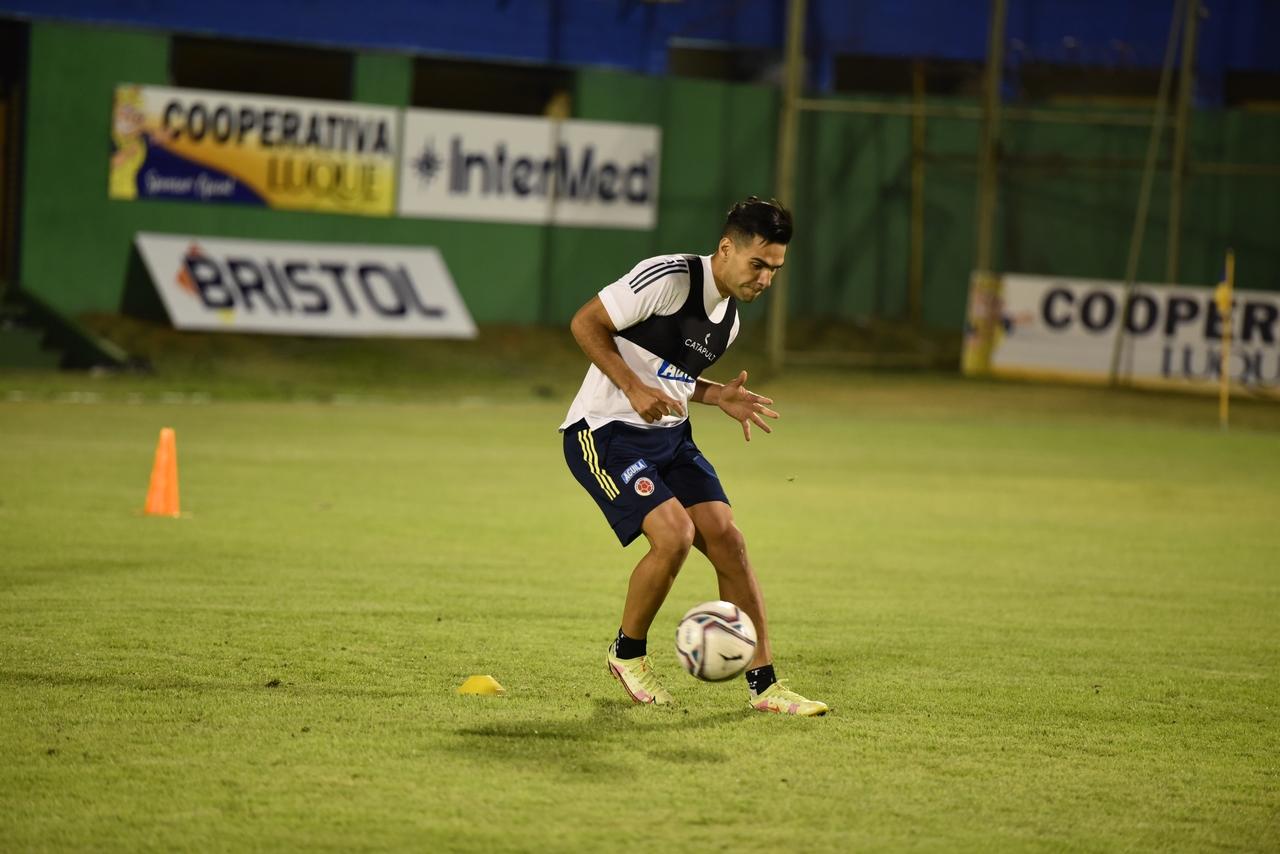 Entrenamiento Seleccion Colombia en Paraguay 3