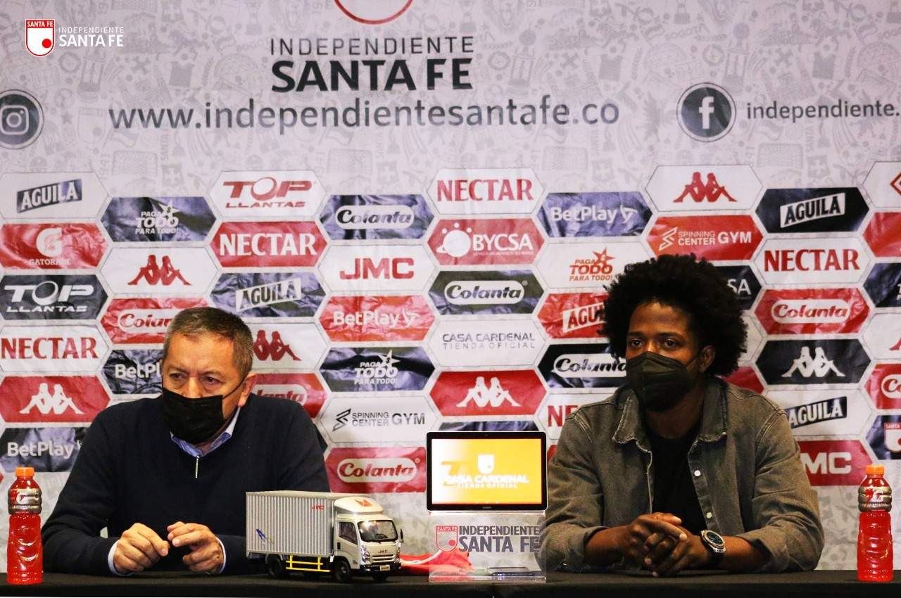 Independiente Santa Fe presento a Carlos Sanchez 2