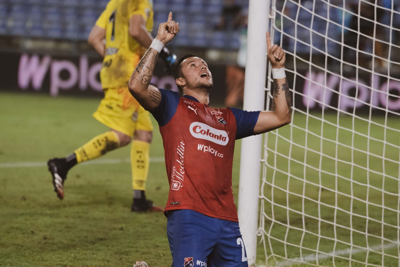 Leonardo Castro celebra gol con Independiente Medellin 9