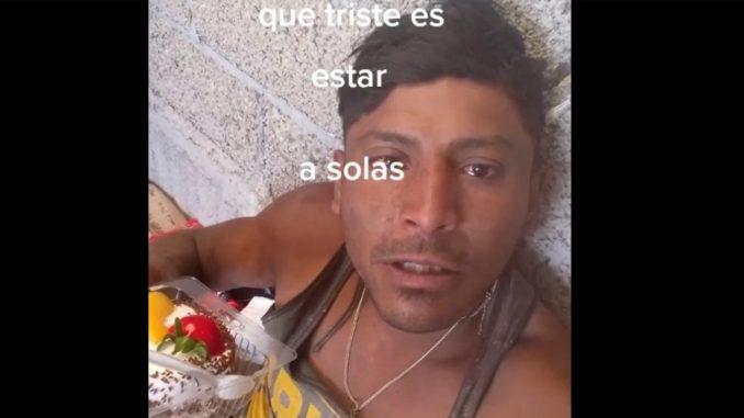 Hombre lloró al celebrar su cumpleaños solo y su video se viralizó