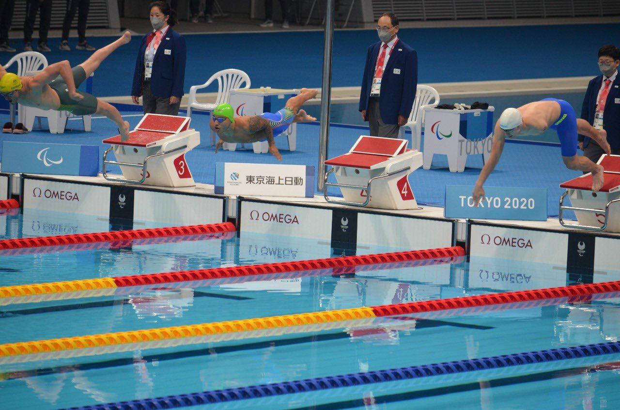 Nadadores colombianos 5