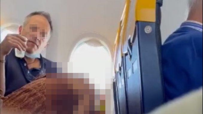 En pleno vuelo los pillaron teniendo relaciones sexuales