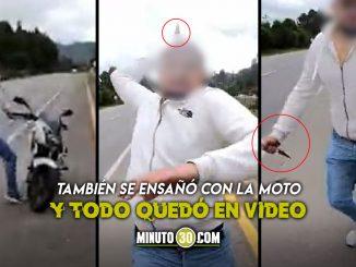 Le sacó cuchillo a motociclista en plena carretera