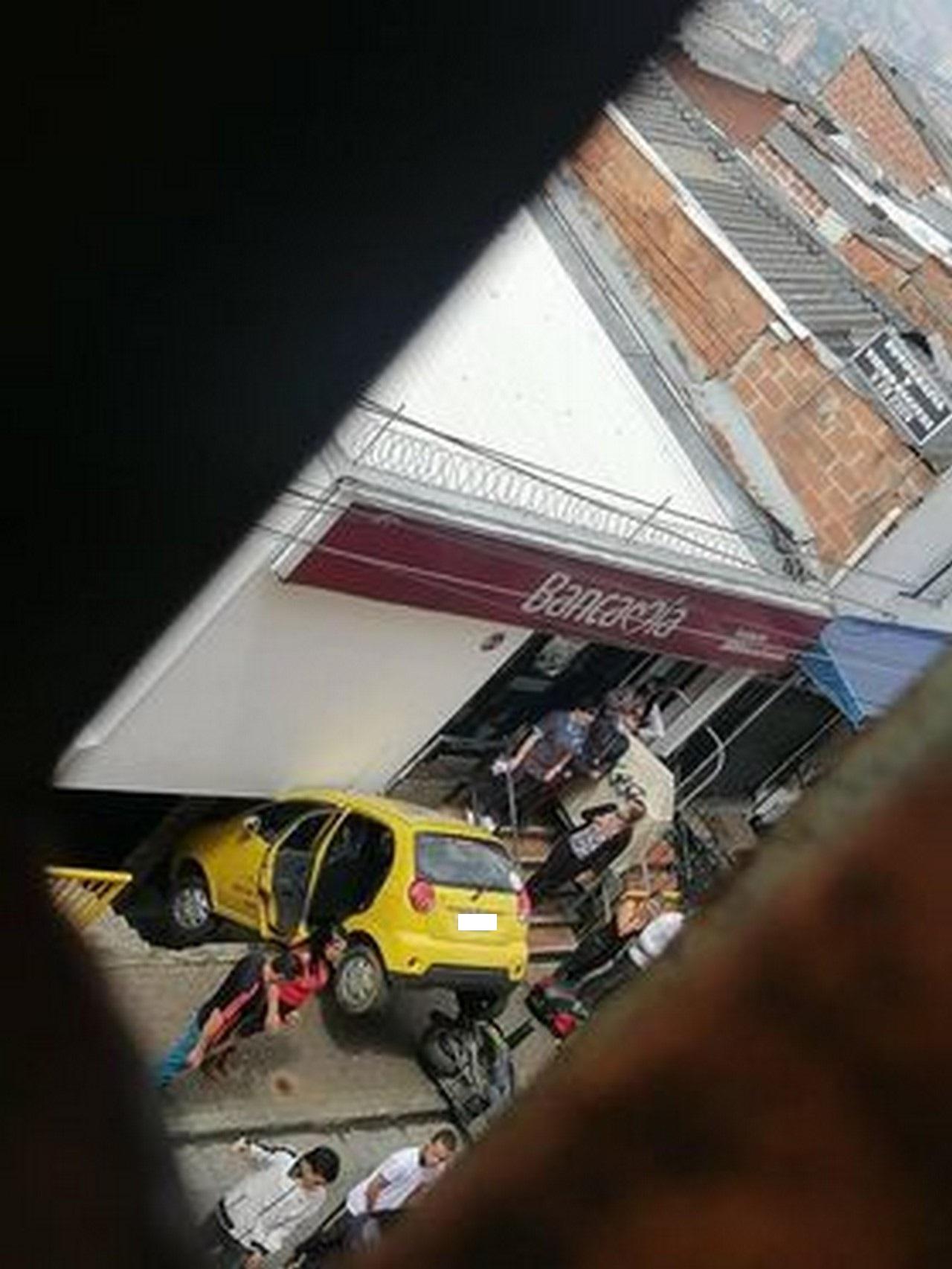 Taxi accidente Santo Domingo 2