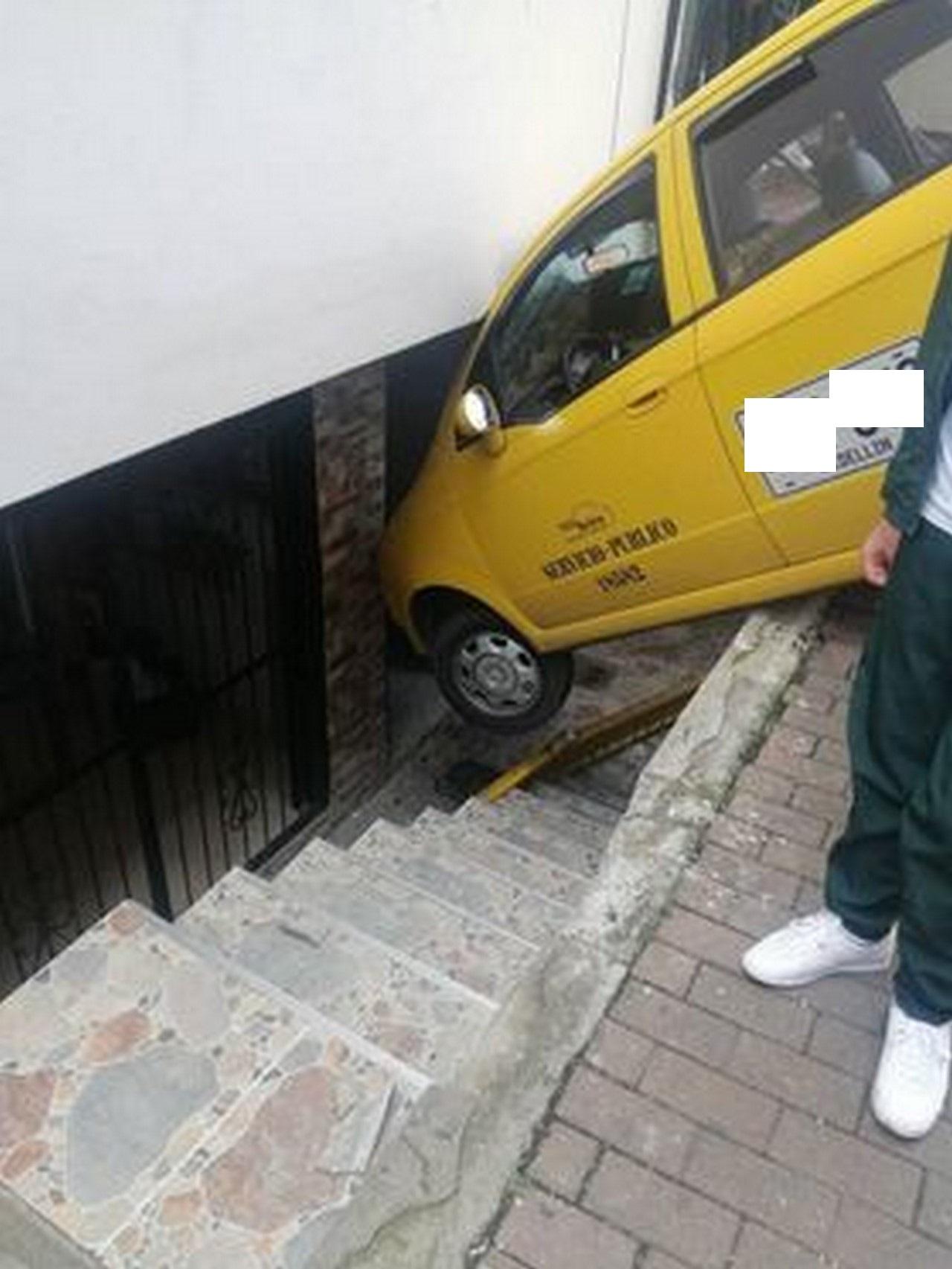 Taxi accidente Santo Domingo 4
