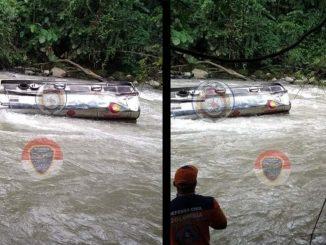 Tractocamión cae a un río en el Chocó, el conductor quedó atrapado en la cabina del vehículo