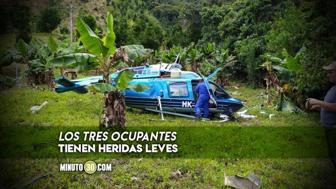 [Video] Tuvieron que aterrizar de emergencia, lo que se sabe del accidente del helicóptero en Cañasgordas