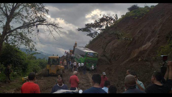 Hay paso parcial en la vía Medellín Urabá