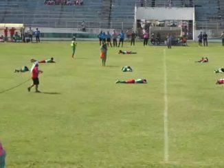 ataque abejas futbolistas partido bolivia