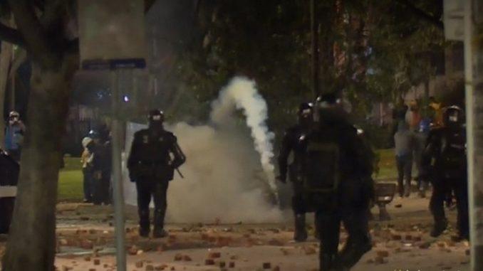 Al menos 4 policías heridos y 13 detenidos por desmanes en Bogotá