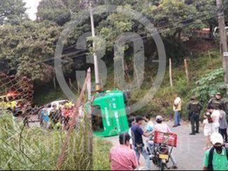 En San Javier se volcó un bus, reportan que hay heridos
