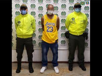 Enviaron a la cárcel a este sujeto que habría apuñalado a un Policía durante las protestas