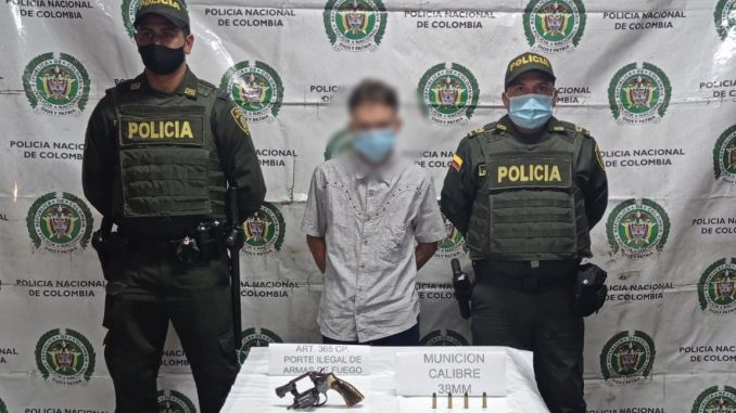 Capturado en El Peñol con un revólver