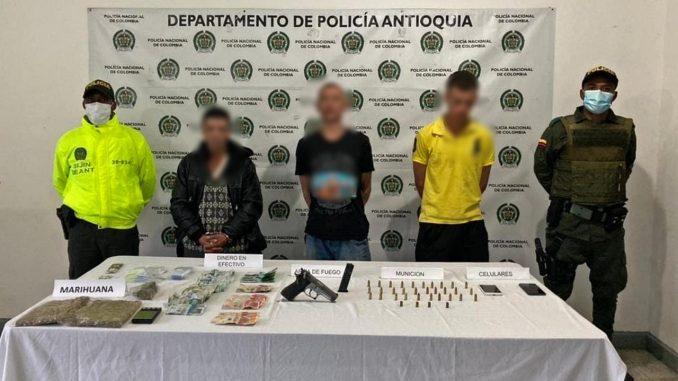 Cogieron a estos tres en Sonsón con droga, arma de fuego y dinero en efectivo