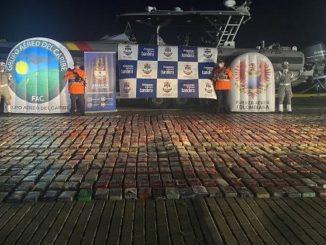 Incautaron más de 2.400 kg de clorhidrato de coca en aguas de San Andrés