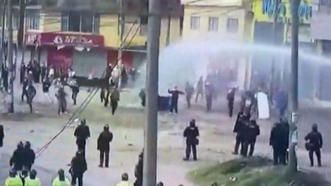 Enfrentamientos entre manifestantes y el Esmad en Bogotá