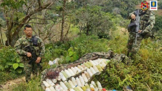 [Video] Encontraron una caleta de explosivos que serían del ELN en el Bajo Cauca antioqueño