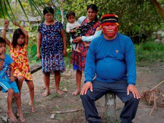 indigenas vacuna