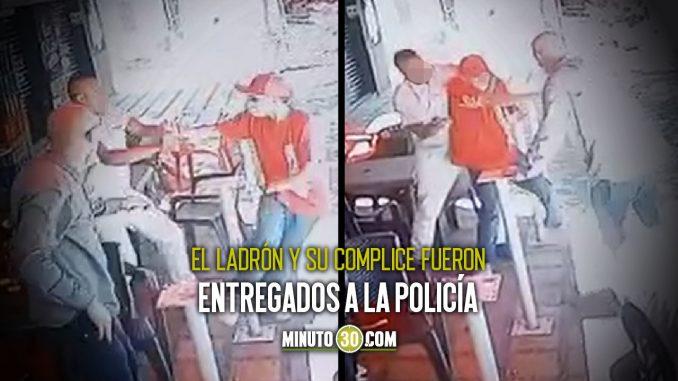 [Video] Le quitaron un puñal a ladrón que intentó robarlos en el barrio Luis López de Mesa