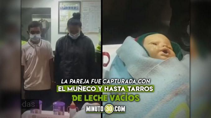 Pareja usaba bebé falso para pedir dinero en Bogotá