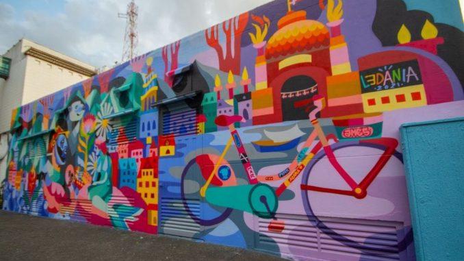 Medellín recibe un mural donado por la Embajada de Dinamarca