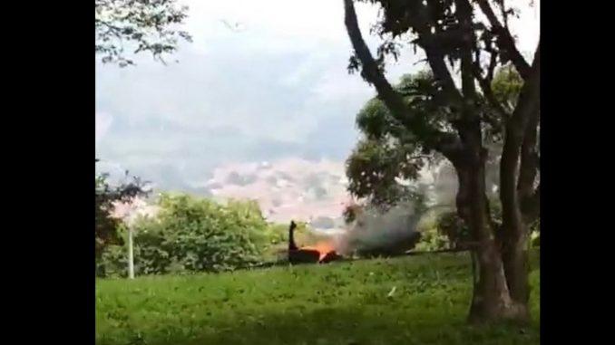[Video] Denuncian que indigentes estarían contaminando al quemar llantas por el puente Horacio Toro