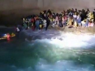 rescate de 125 migrantes cerca de una isla