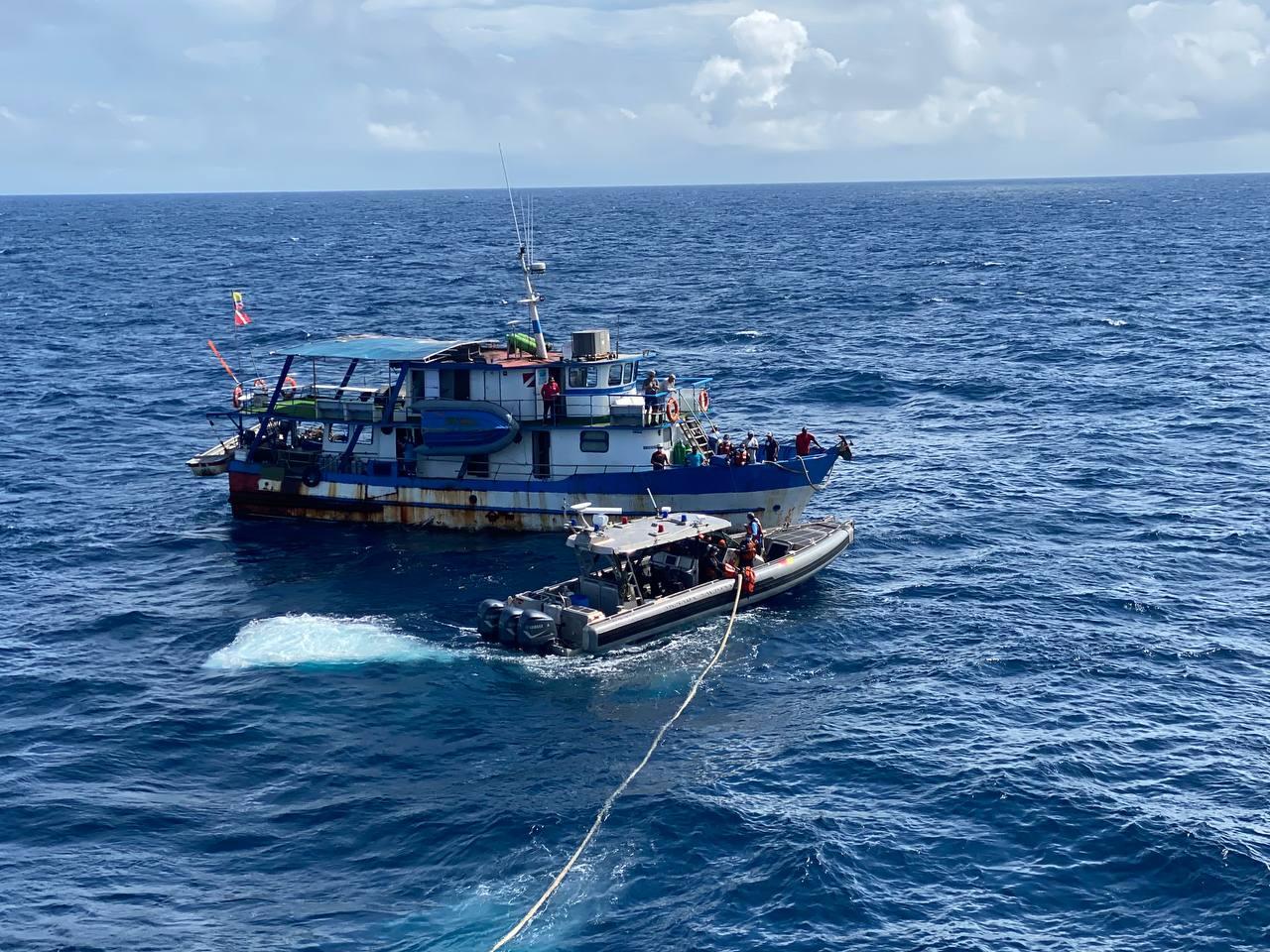 rescate investigadores cientificos isla 2