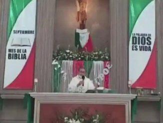 sacerdote misa aborto