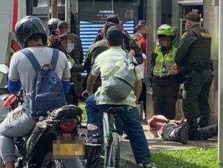 [Video] Agarraron a dos tipos que intentaron robar un bus que iba para El Poblado