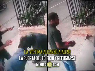 [Video] Forcejeó con los ladrones en Prado Centro, los tipos le alcanzaron a robar la gorra