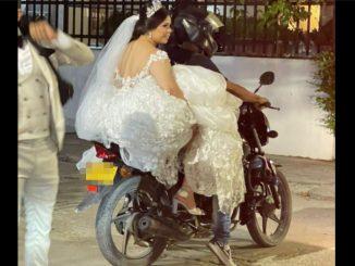 ¡Qué ansiedad! Novia no se aguanto 'el taco' y se subió a una moto para llegar a la sesión de fotos de su boda