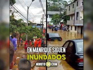 [Video] ¡En hombros! Rescatistas ayudaron a salir a varios ciudadanos tras inundación en Manrique