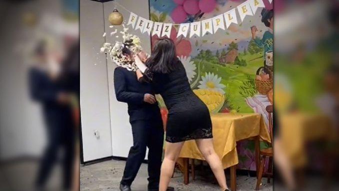 [Video] ¡Qué tortazo! Por infiel hombre fue avergonzado en medio de una fiesta de cumpleaños