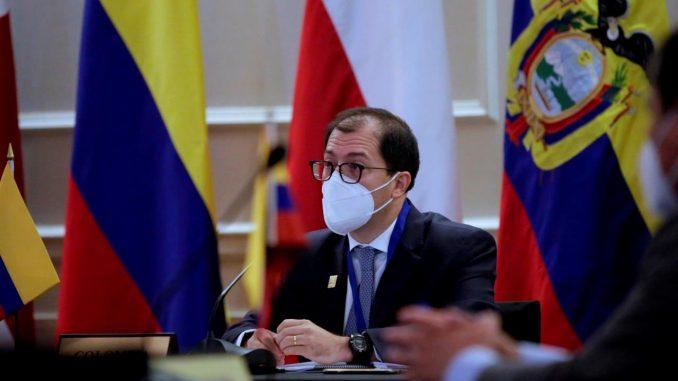 fiscal de colombia