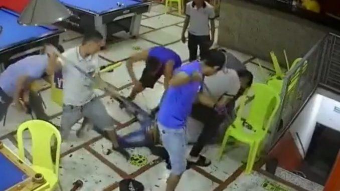 Ladrón en billar murió tras recibir tremenda 'paloterapia'