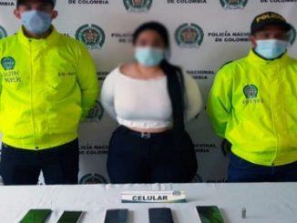 mujer por los delitos de proxenetismo y actos sexuales con menor de 14 anos