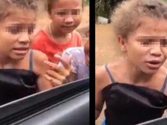 [Video] Niña que tapa huecos en una vía cautiva en las redes sociales con su voz al cantar