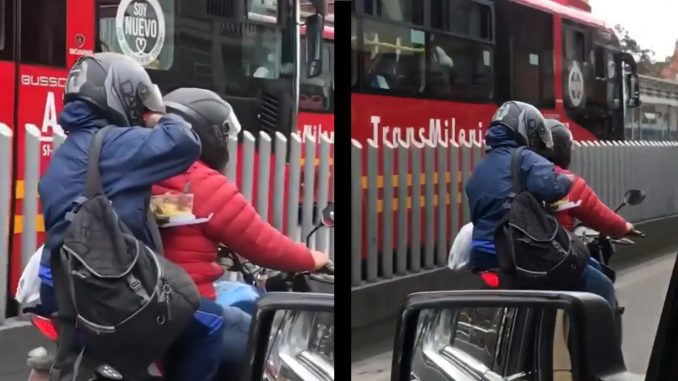 [Video] ¡Al ritmo de la vida! Parrillero de motocicleta no aguantó el hambre y saco la 'coca' del almuerzo