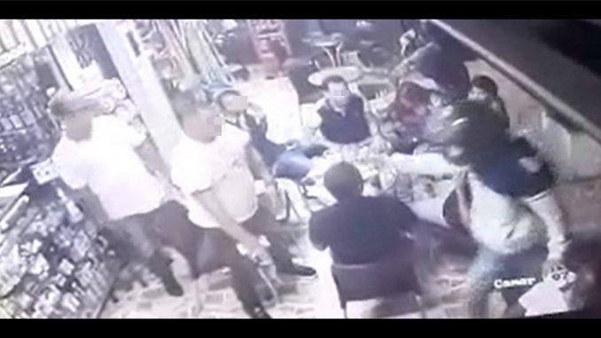 [Video] Siguen los robos, en Laureles, amenazaron a un grupo de ciudadanos y les quitaron sus pertenencias