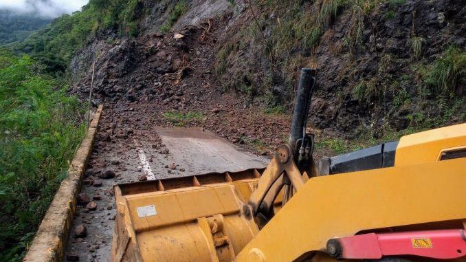 Cerrada la vía entre Bolombolo y Santa Fe de Antioquia