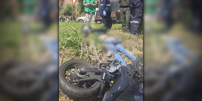 motociclista se mato en un accidente en la via Girardota Medellin 2