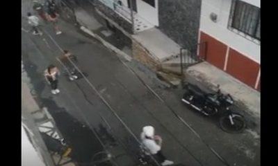 Medellín-adolescentes-pelea